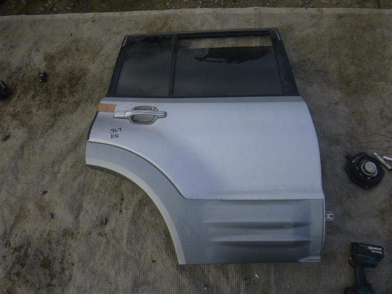 Дверь Mitsubishi Pajero V73W 2000 задняя правая (б/у)