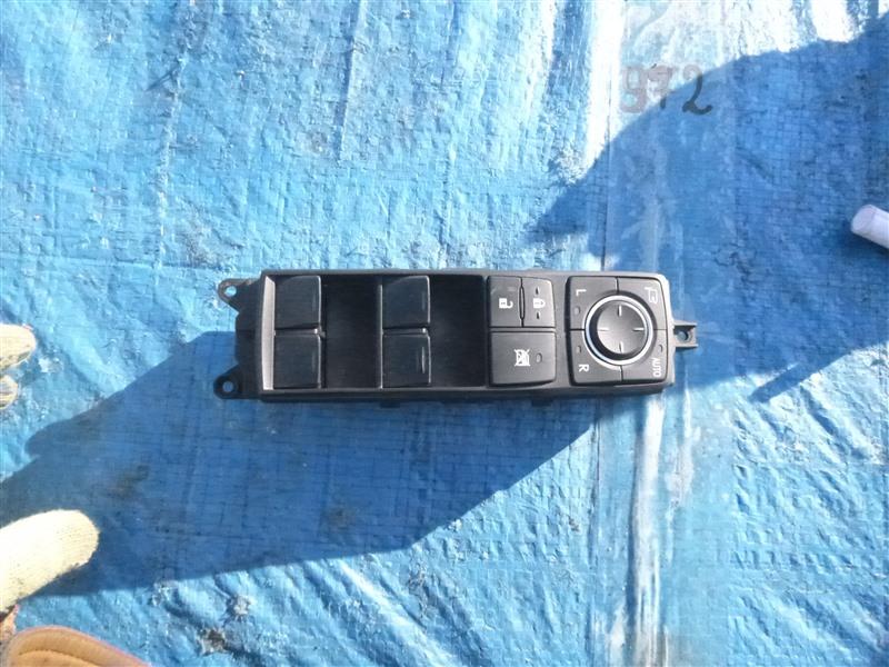 Блок управления стеклоподъемниками Lexus Rx450H GYL16 2GRFXE 2010 передний правый (б/у)