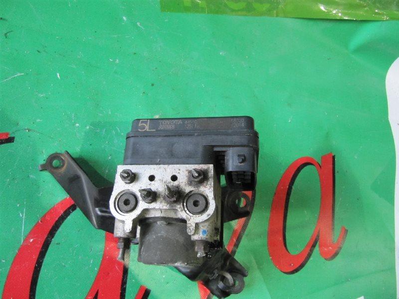 Блок abs Toyota Passo KGC35 1KR-FE 2010 (б/у) 4WD