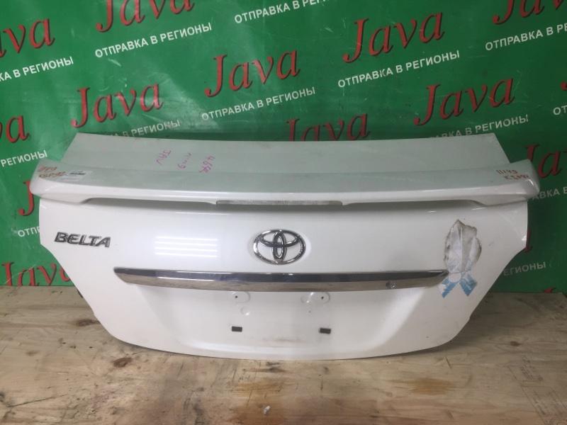 Крышка багажника Toyota Belta KSP92 2005 задняя (б/у) СПОЙЛЕР.  СЛЕДЫ СКОТЧА.