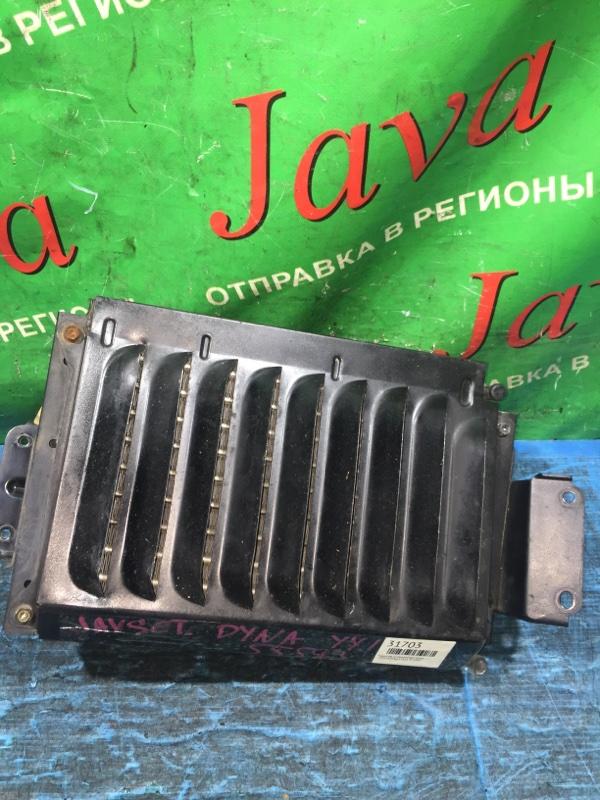 Радиатор кондиционера Toyota Dyna YY121 3Y 1999 передний (б/у)