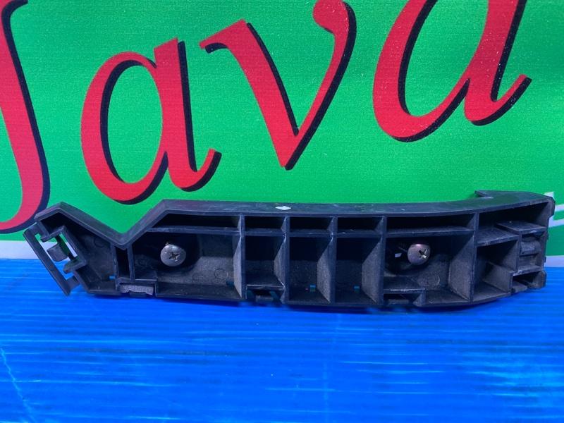 Крепление бампера Honda Elysion RR1 K24A 2004 переднее правое (б/у)