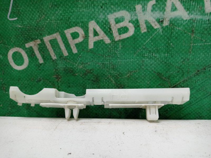 Крепление бампера Nissan Note E11 HR15DE 2006 переднее правое (б/у)