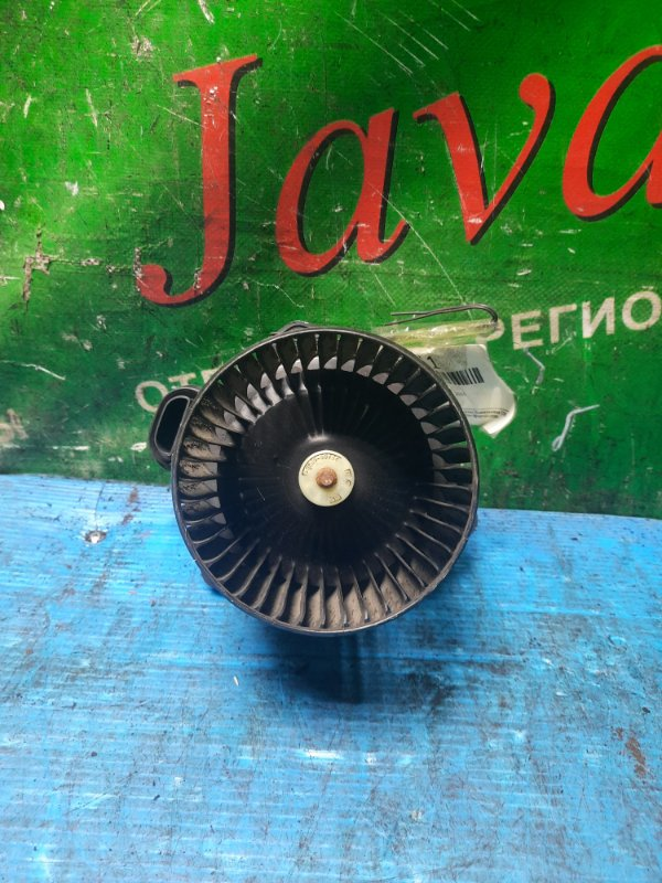 Мотор печки Hino Dutro XZU605 2015 передний (б/у) 24V