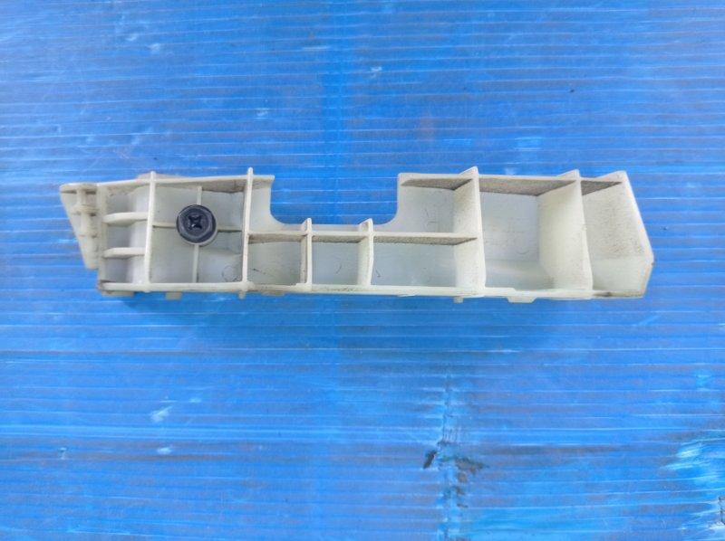 Крепление бампера Nissan Cube YZ11 HR15DE 2008 переднее правое (б/у)