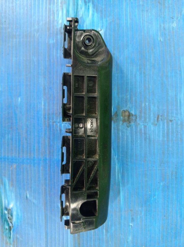 Крепление бампера Toyota Vitz KSP130 1KR-FE 2013 переднее правое (б/у)