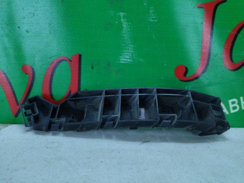 Крепление бампера Honda Elysion RR1 K24A 2006 переднее правое (б/у)