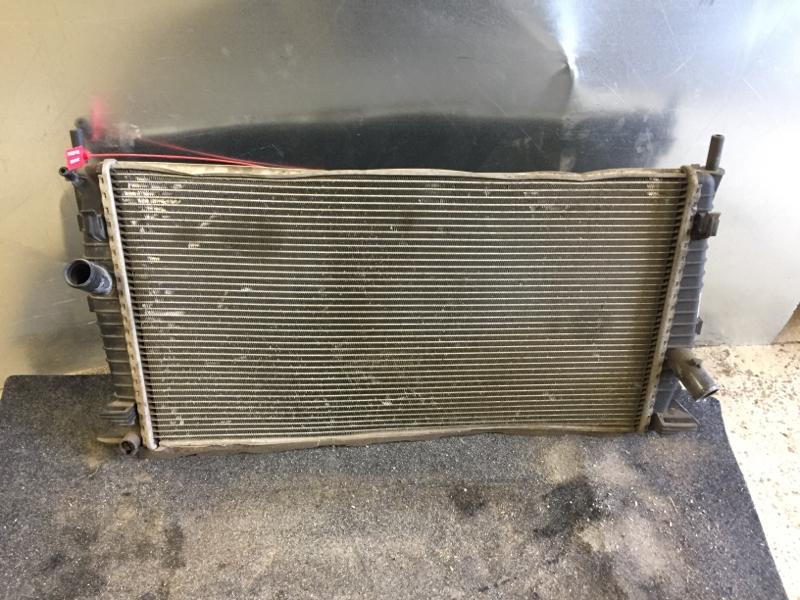 Радиатор охлаждения Ford Focus 2 Plus ХЕТЧБЕК 1.4 2008 (б/у)