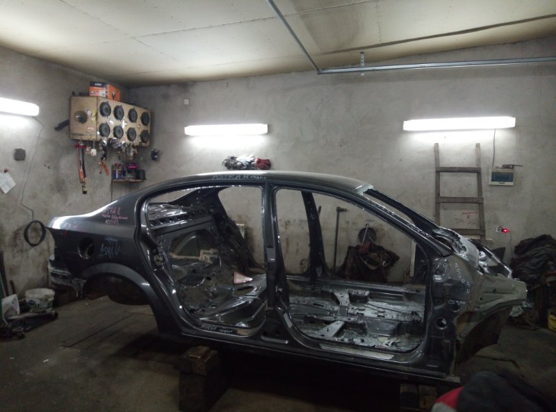Кузов Opel Astra H СЕДАН 1.6 РОБОТ 2011 (б/у)