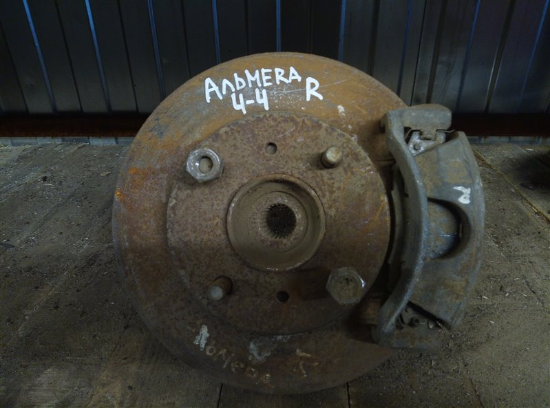 Кулак (цапфа) Nissan Almera передний правый (б/у)