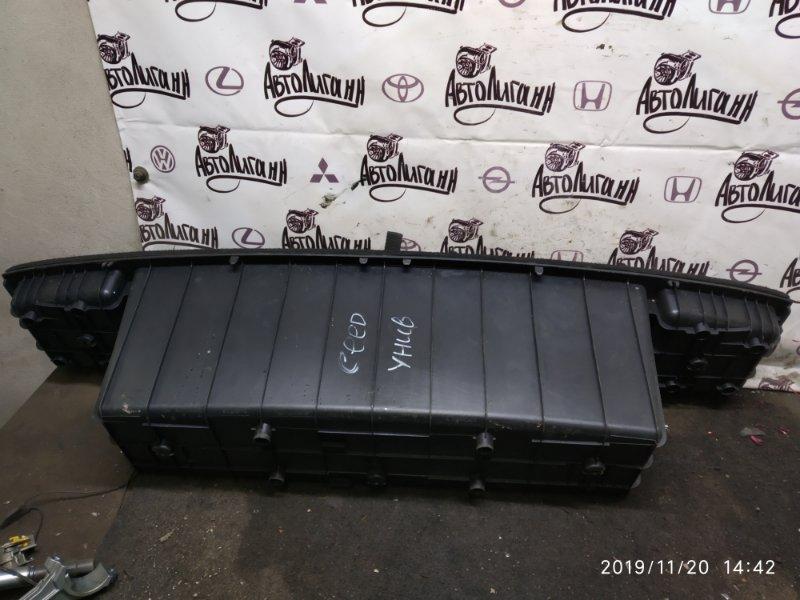 Лоток багажного отсека Kia Ceed G4FC 2011 (б/у)