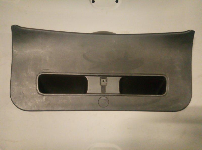 Обшивка крышки багажника Kia Ceed УНИВЕРСАЛ (б/у)