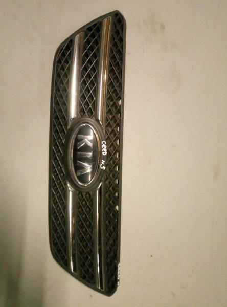 Решетка радиатора Kia Ceed 2009 (б/у)