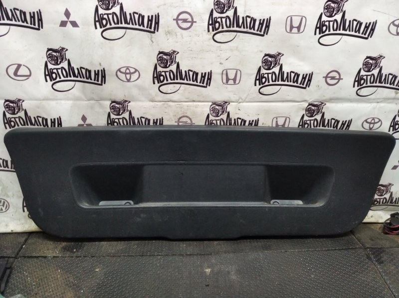 Обшивка крышки багажника Volkswagen Polo СЕДАН BTS 2010 (б/у)