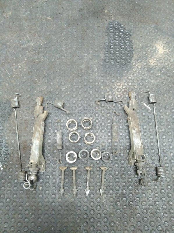 Механизм ручного тормоза Renault Sandero 2 K7MA812 2017 (б/у)