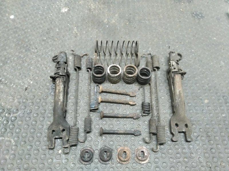 Механизм ручного тормоза Renault Duster F4RA400 2012 (б/у)
