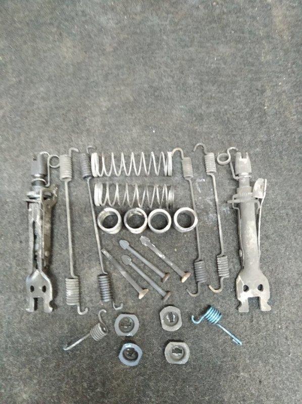 Механизм ручного тормоза Renault Duster K4MA606 2013 (б/у)