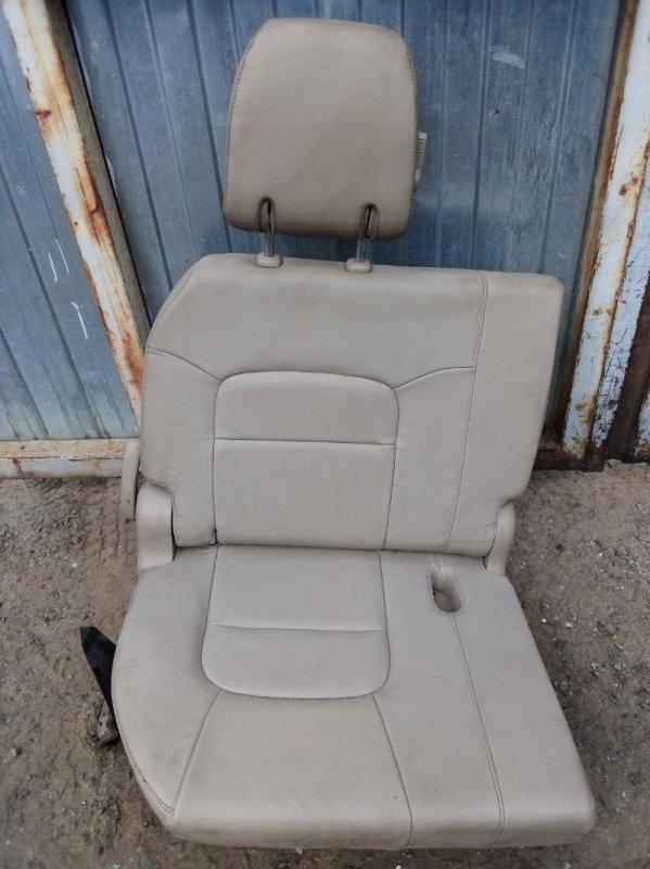 Сиденье Toyota Land Cruiser 200 заднее (б/у)