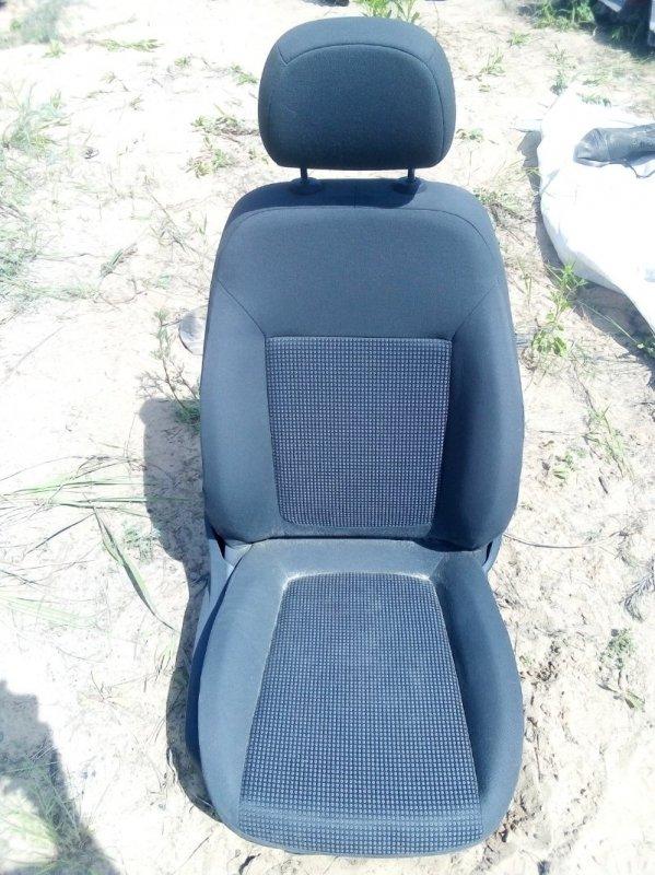Сиденье Opel Corsa D переднее правое (б/у)