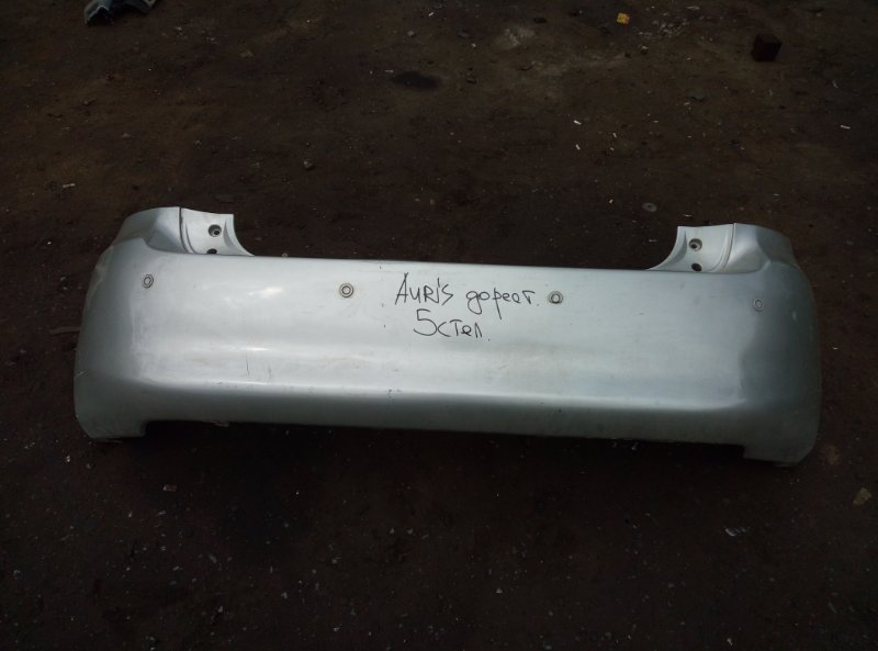 Бампер Toyota Auris задний (б/у)