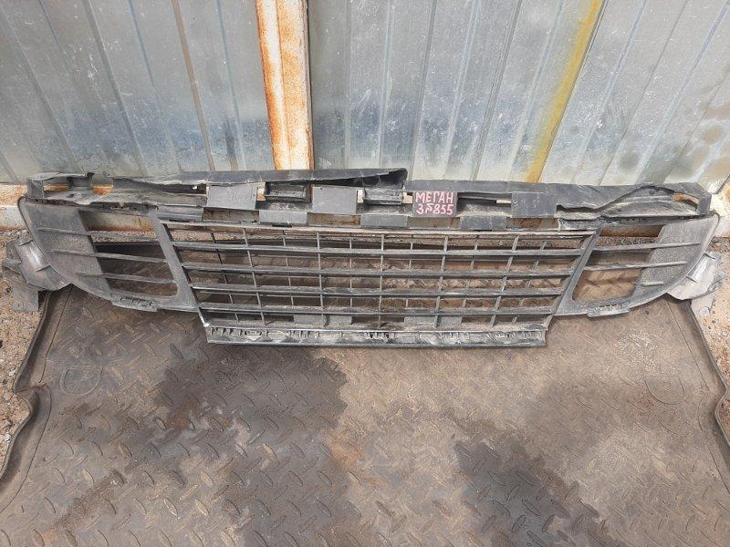Решетка радиатора Renault Megane 3 КУПЕ M4RF713 2010 (б/у)