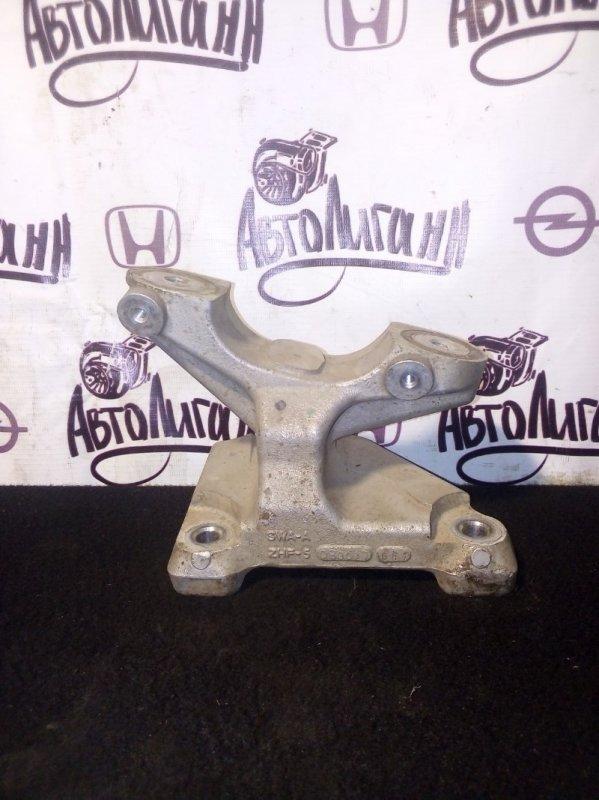 Кронштейн рулевой рейки Honda Cr-V K24Z4 2008 (б/у)