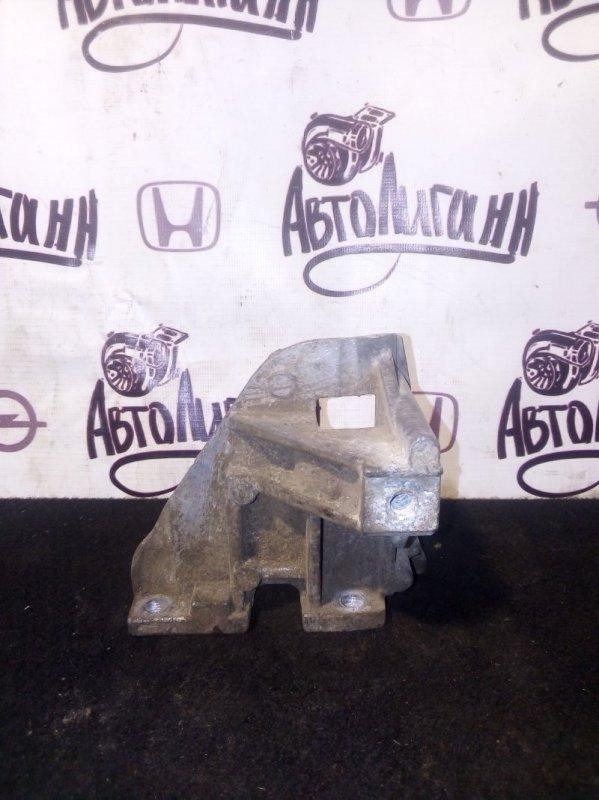 Кронштейн компрессора кондиционера Mitsubishi Asx (б/у)