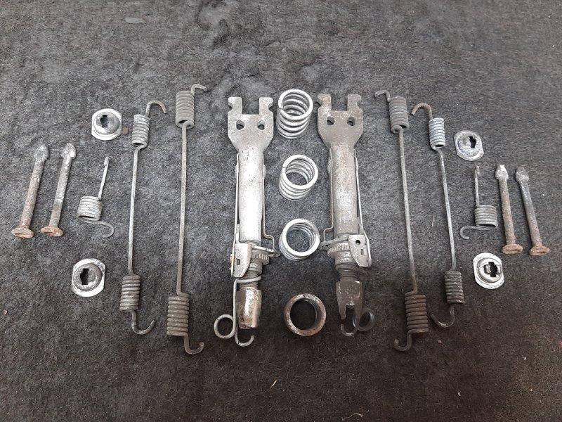 Механизм ручного тормоза Renault Duster K4MA690 2014 (б/у)