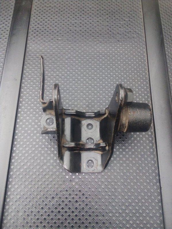 Кронштейн двигателя Toyota Auris 1.6 2009 задний (б/у)