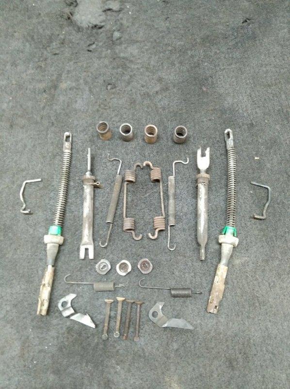 Механизм ручного тормоза Chevrolet Cobalt B15D2 2013 (б/у)