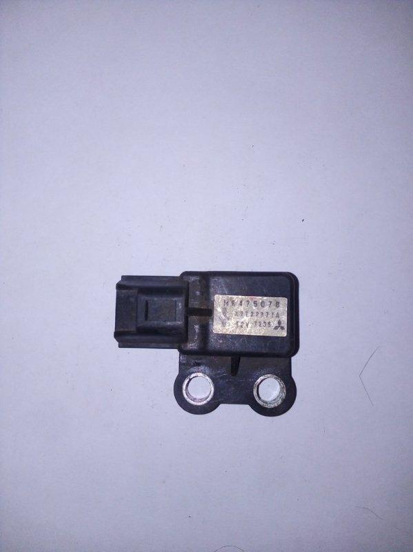 Датчик airbag Mitsubishi Outlander 1 (б/у)