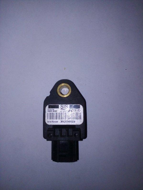 Датчик airbag Kia Cerato 2 (б/у)