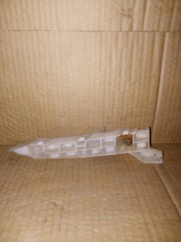 Кронштейн бампера Mitsubishi L 200 передний правый (б/у)