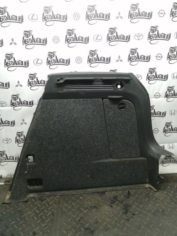 Обшивка багажника Volkswagen Tiguan CTH 2012 задняя правая (б/у)