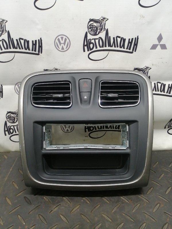 Рамка магнитолы Renault Logan 2 K7MA812 2015 (б/у)