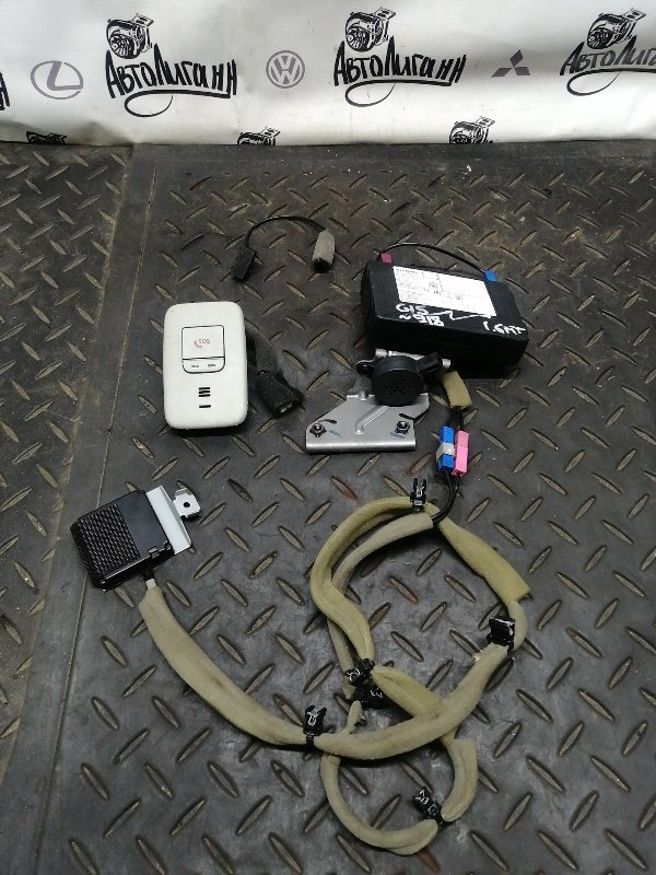 Блок электронный Nissan Almera G15 K4MF496 2017 (б/у)