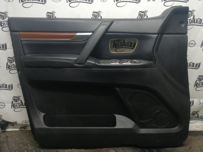 Обшивка двери Mitsubishi Pajero 4 6G75 2007 (б/у)