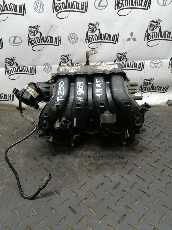 Коллектор впускной Chevrolet Aveo T 250 F14D4 2011 (б/у)