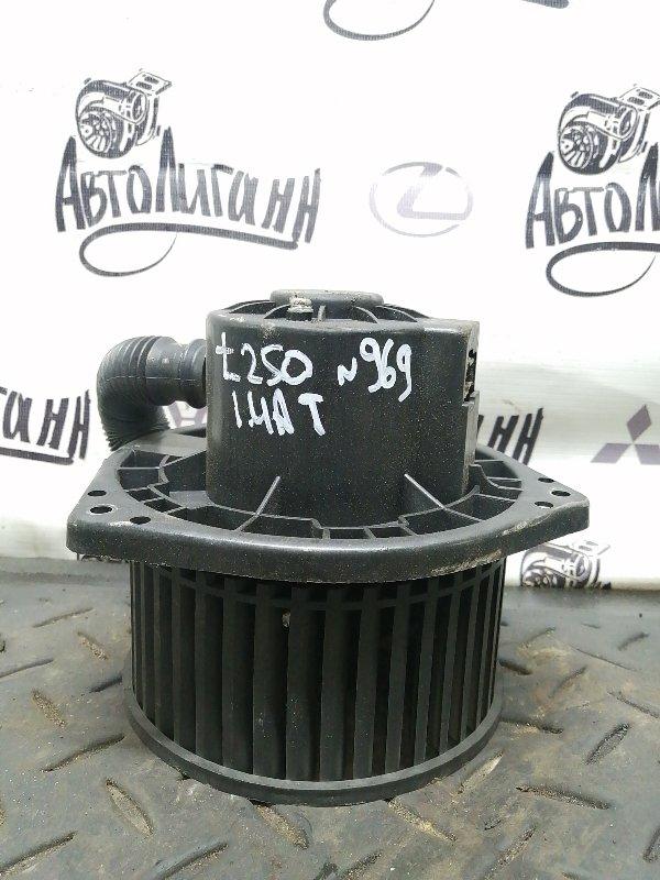 Моторчик печки Chevrolet Aveo T 250 F14D4 2011 (б/у)