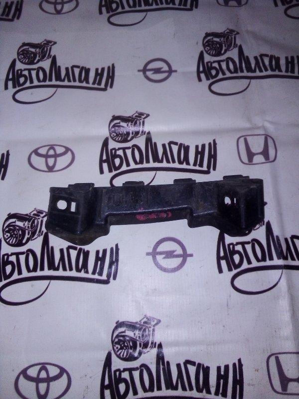 Кронштейн бампера Kia Ceed 2007 передний правый (б/у)