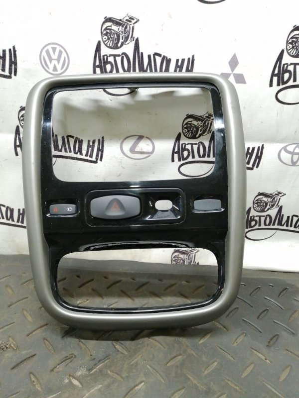 Рамка магнитолы Renault Duster K4MA606 2014 (б/у)