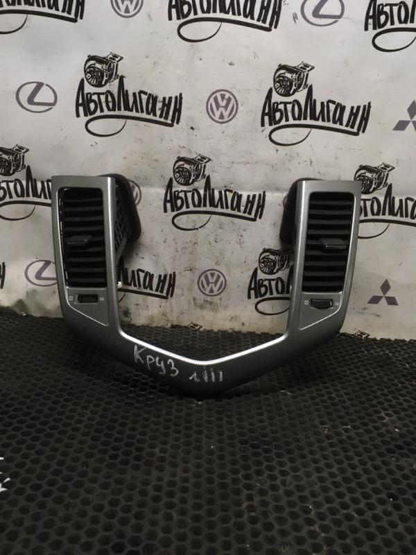 Рамка магнитолы Chevrolet Cruze (б/у)