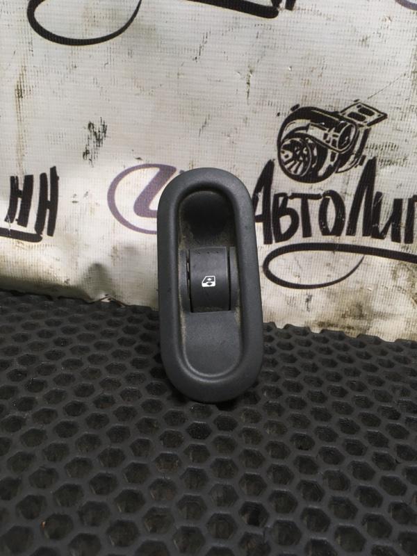 Блок управления стеклоподъемниками Renault Duster задний правый (б/у)