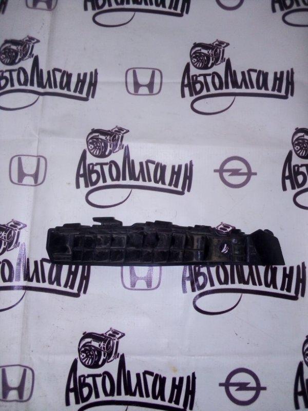 Кронштейн бампера Kia Soul 2009 передний правый (б/у)