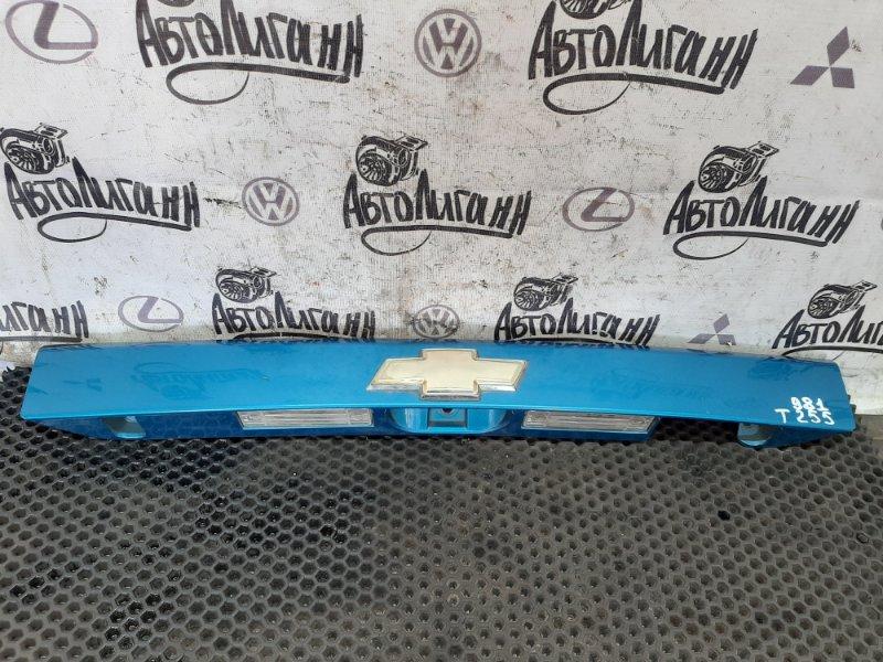 Молдинг крышки багажника Chevrolet Aveo T 255 ХЭТЧБЕК F14D4 2009 (б/у)