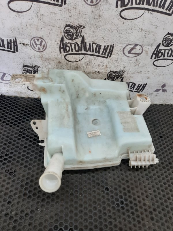 Бачок омывателя Ford Focus 3 ХЭТЧБЕК XQDA 2012 (б/у)