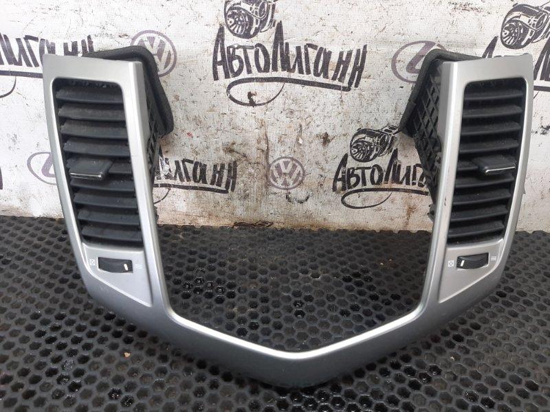 Рамка магнитолы Chevrolet Cruze СЕДАН F16D3 2010 (б/у)