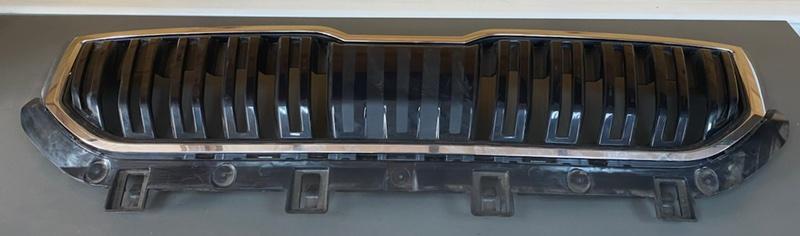 Решетка радиатора Skoda Karoq 2019 передняя (б/у)