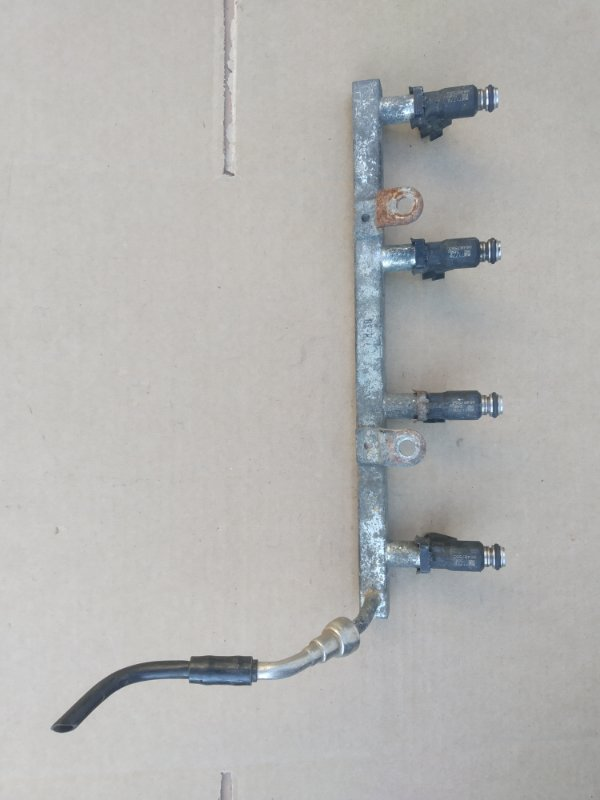 Топливная рампа Chevrolet Aveo T 250 F14D3 2007 (б/у)
