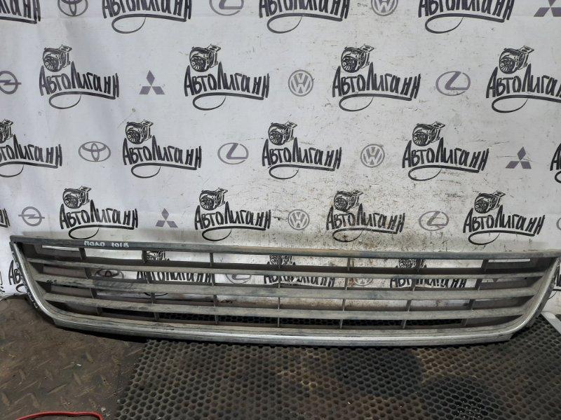 Решетка радиатора Volkswagen Polo СЕДАН CFN 2013 (б/у)